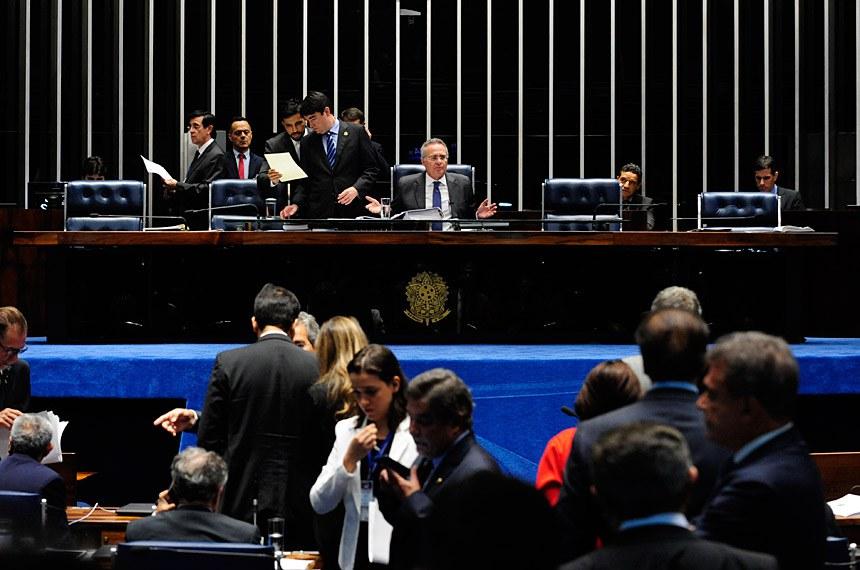 Plenário do Senado durante sessão deliberativa ordinária.  À mesa, presidente do Senado Federal senador Renan Calheiros (PMDB-AL).  Foto: Jonas Pereira/Agência Senado