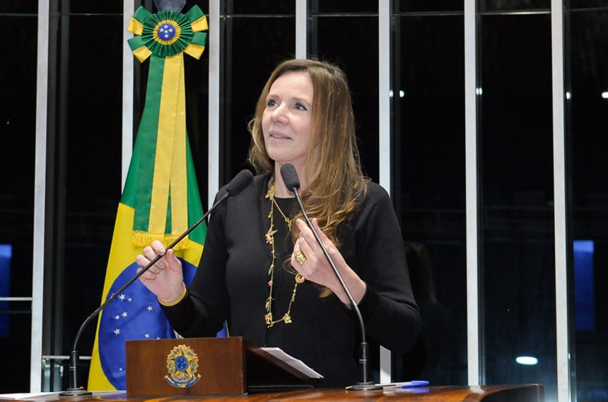 A senadora Vanessa Grazziotin (PCdoB-AM) se manifestou contra a PEC do Teto de Gastos e criticou a proibição de público na galeria do Plenário