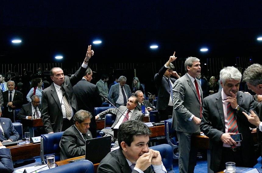 Plenário do Senado durante a votação da PEC do Teto de Gastos, proposta pelo governo Temer