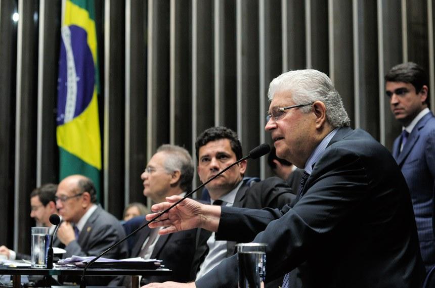 O senador Roberto Requião (PMDB-PR) é o relator do projeto e vê o momento como uma oportunidade para que o Congresso possa corrigir uma lei aprovada no regime militar