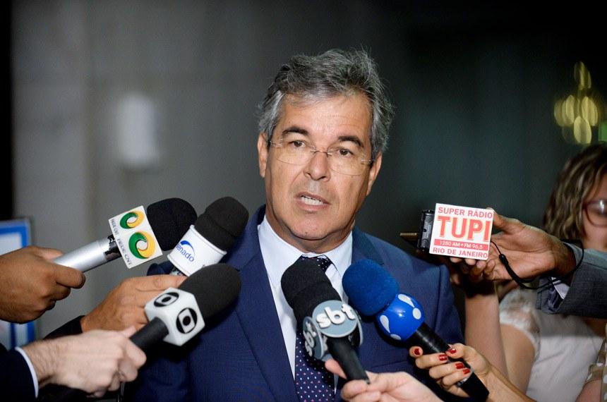 Senador Jorge Viana (PT-AC) concede entrevista.   Foto: Jefferson Rudy/Agência Senado