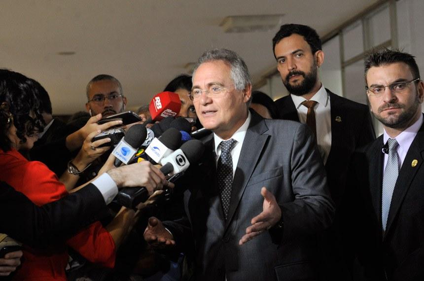 Presidente do Senado Federal, senador Renan Calheiros (PMDB-AL) concede entrevista.  Foto: Jane de Araújo/Agência Senado