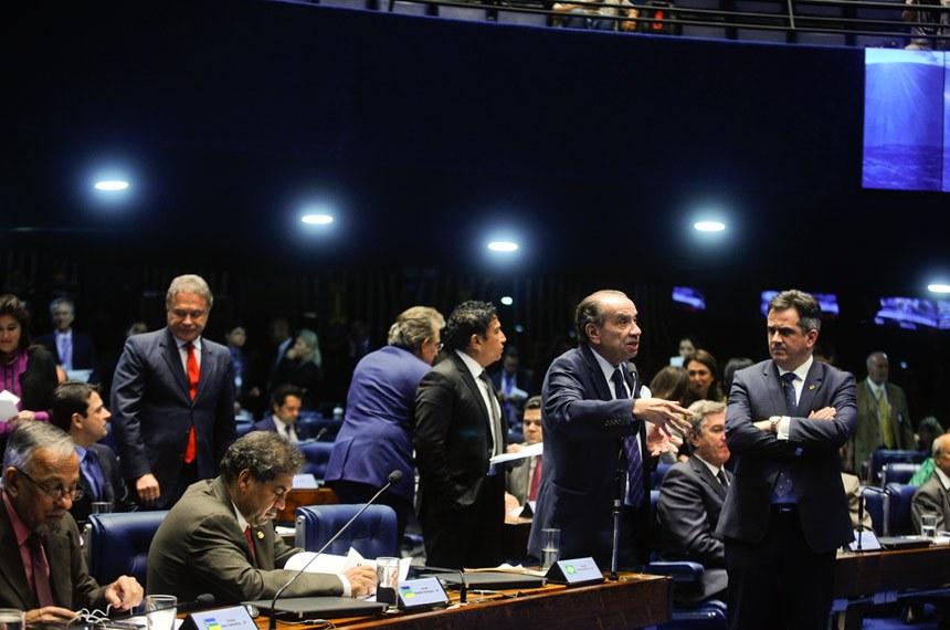 Plenário do Senado durante sessão deliberativa extraordinária.  Em pronunciamento, à bancada, senador Aloysio Nunes Ferreira (PSDB-SP).  Foto: Moreira Mariz/Agência Senado