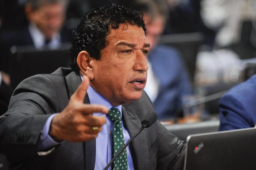 Resultado de imagem para MAGNO MALTA NA COMISSÃO DE CONSTITUIÇÃO E JUSTIÇA