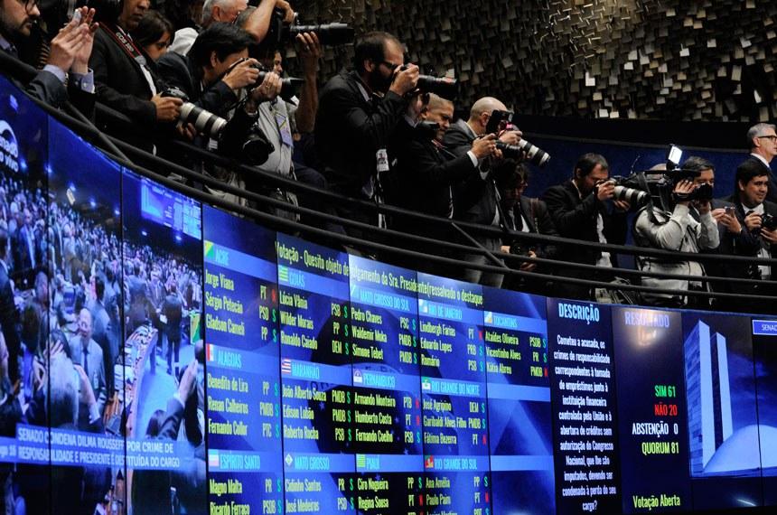 Plenário do Senado durante sessão deliberativa extraordinária para votar a Denúncia 1/2016, que trata do julgamento do processo de impeachment da presidente afastada Dilma Rousseff por suposto crime de responsabilidade.Painel eletrônico regista resultado da votação. Senadores votaram a favor do afastamento definitivo da presidente Dilma Rousseff por 61 votos a 20. Foto: Edilson Rodrigues/Agência Senado