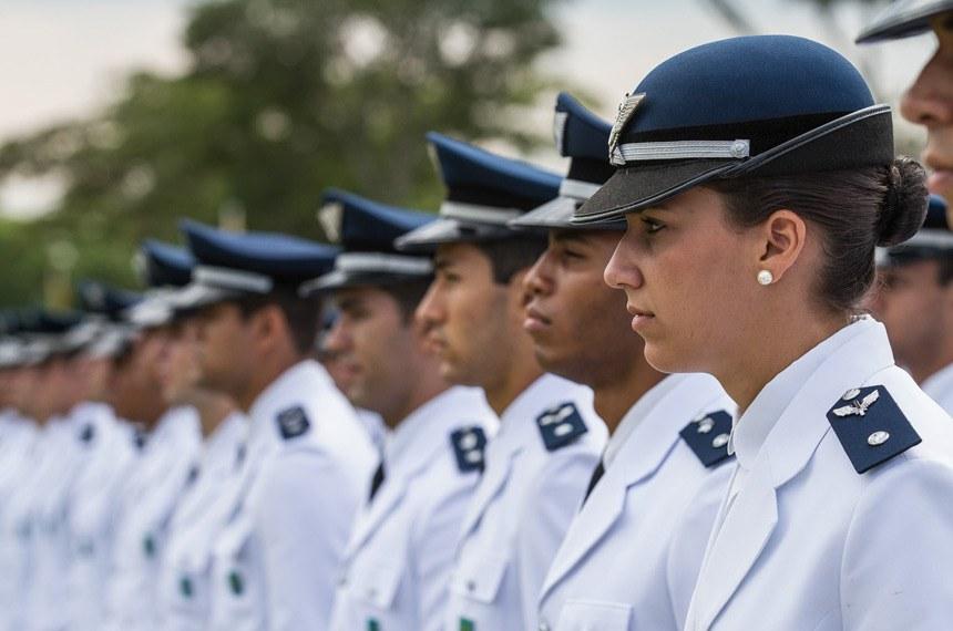 Formatura dos novos Aspirantes da Força Aérea Brasileira - Pirassununga - 06/12/2012
