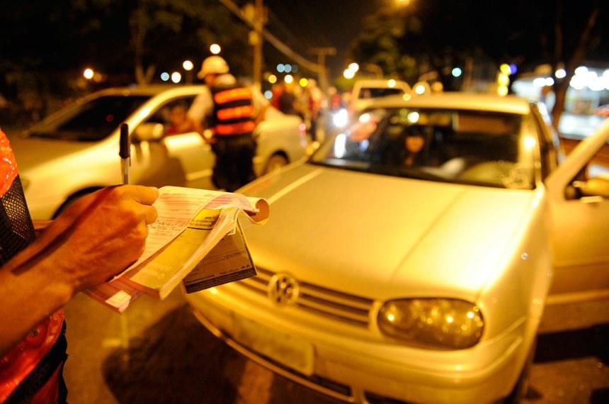 Blitz do Batalhão de Policiamento de Trânsito no Gama.