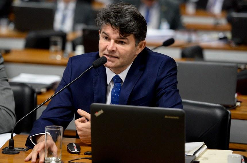 Comissão Especial do Impeachment 2016 (CEI2016) realiza reunião para ouvir testemunhas.     Em pronunciamento, senador José Medeiros (PSD-MT)    Foto: Jefferson Rudy/Agência Senado