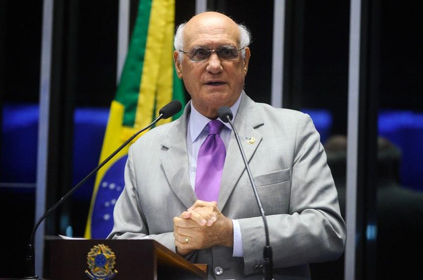 Plenário do Senado durante sessão não deliberativa.  Em discurso, senador Lasier Martins (PDT-RS).  Foto: Marcos Oliveira/Agência Senado