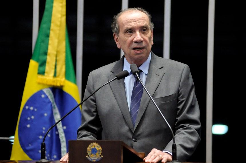 Plenário do Senado durante sessão deliberativa ordinária.  Em discurso, senador Aloysio Nunes Ferreira (PSDB-SP).  Foto: Pedro França/Agência Senado