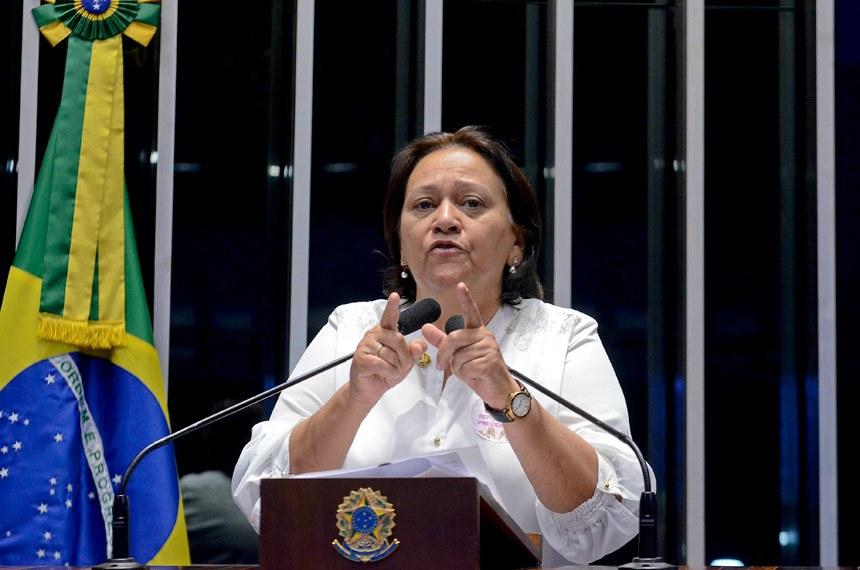Plenário do Senado durante sessão deliberativa ordinária.  Em discurso, à tribuna, senadora Fátima Bezerra (PT-RN).  Foto: Ana Volpe/Agência Senado