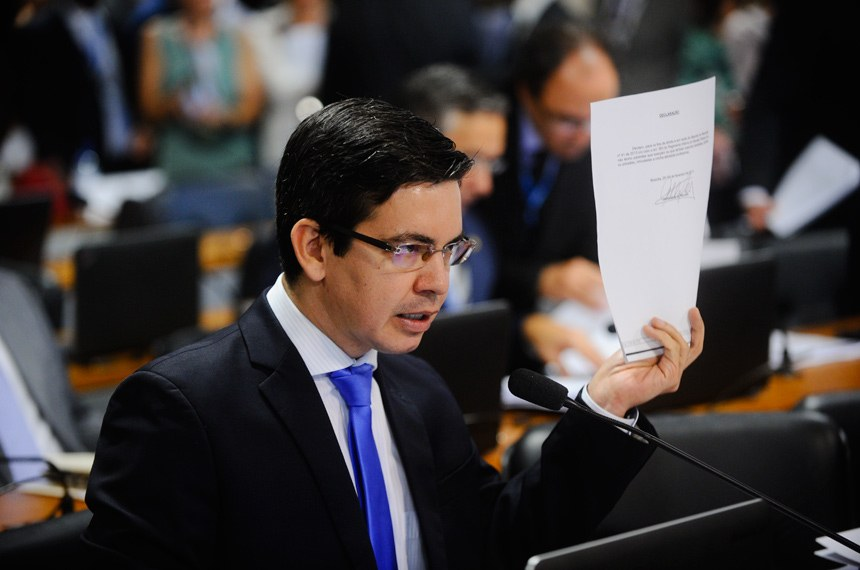 Randolfe Rodrigues (Rede-AP) foi o primeiro a apresentar pedido de adiamento da sabatina