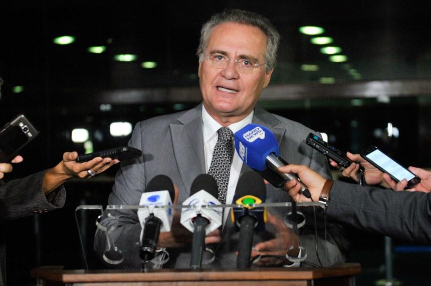 Senador Renan Calheiros (PMDB-AL) concede entrevista.  Foto: Jane de Araújo/Agência Senado
