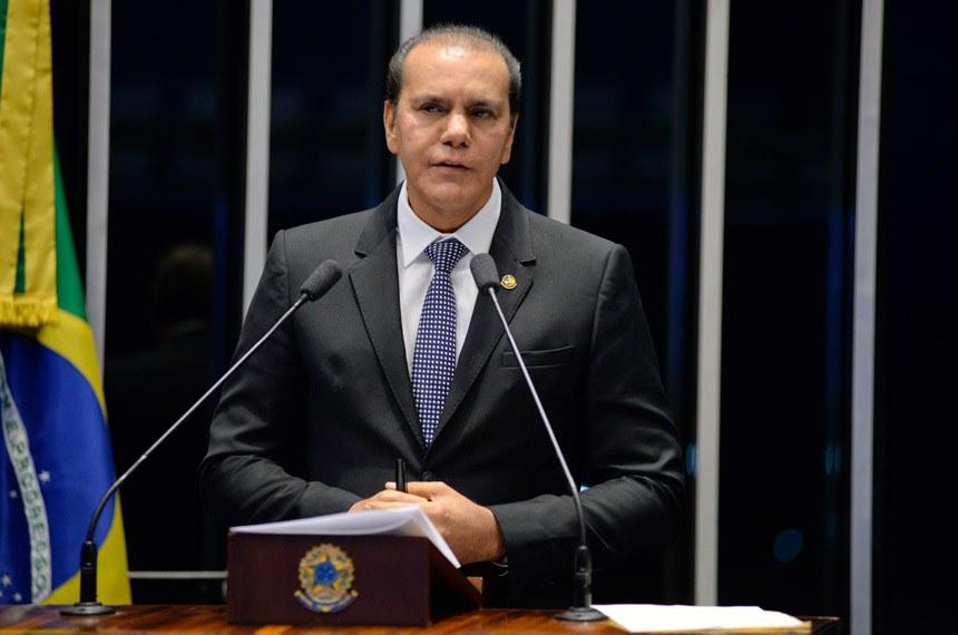 Plenário do Senado Federal durante sessão deliberativa ordinária.   Em discurso, senador Ataídes Oliveira (PSDB-TO).   Foto: Jefferson Rudy/Agência Senado