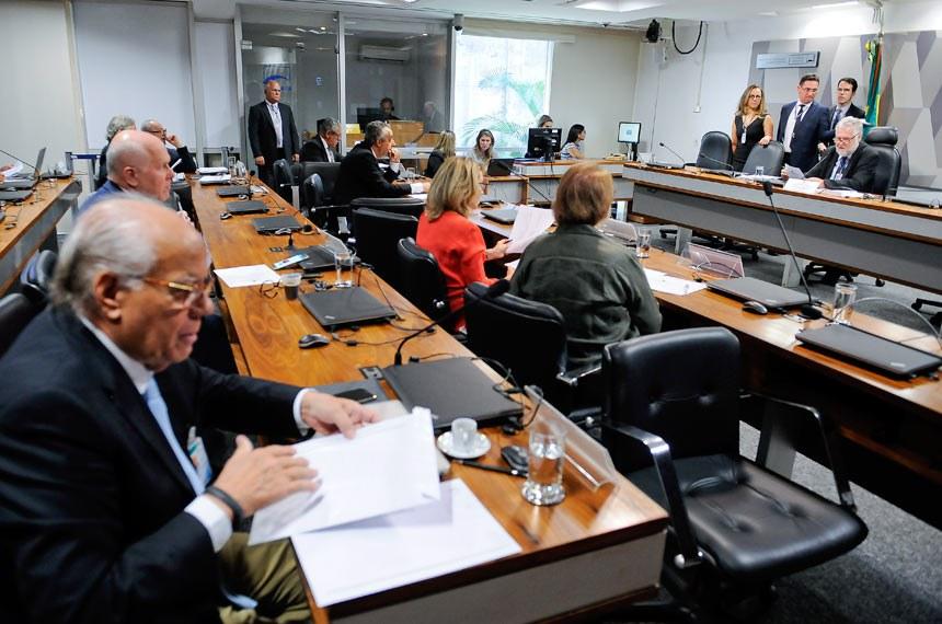 Conselho de Comunicação Social (CCS) realiza reunião de comissões temáticas para designação de relatorias e apreciação de relatórios. À mesa, representante da sociedade civil, Davi Emerich.Foto: Pedro França/Agência Senado