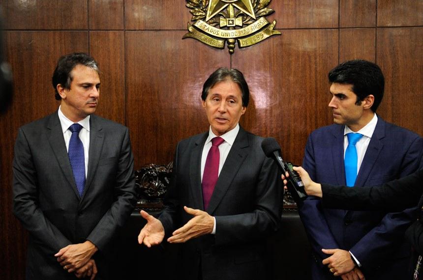Resultado de imagem para presidente do senado recebe governador