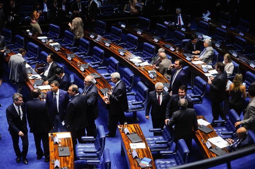 Plenário do Senado Federal durante sessão deliberativa ordinária.   Da bancada, senadores acompanham sessão.   Foto: Marcos Oliveira/Agência Senado