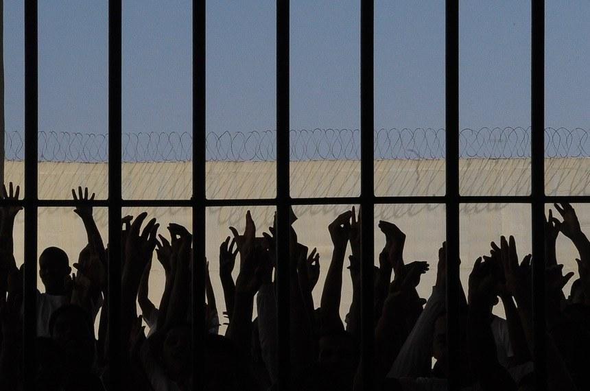 Brasília - A Penitenciária da Papuda recebe um mutirão carcerário que vai analisar a situação de cerca de 2,7 mil detentos que estão na prisão. A ideia é identificar os processos e os problemas existentes no sistema carcerário do Distrito Federal.