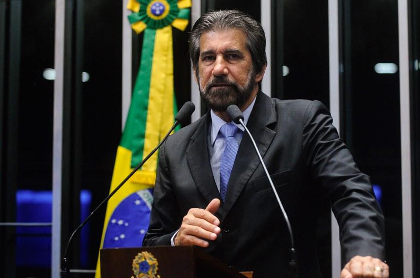 Plenário do Senado durante sessão não deliberativa.  Em discurso, senador Valdir Raupp (PMDB-RO).  Foto: Moreira Mariz/Agência Senado
