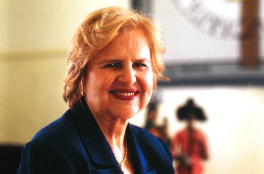 Foto: Pastoral da CriançaData: ?Local: ? Pediatra Zilda Arns, contemplada com o  Diploma Mulher-Cidadã Berta Lutz 2005