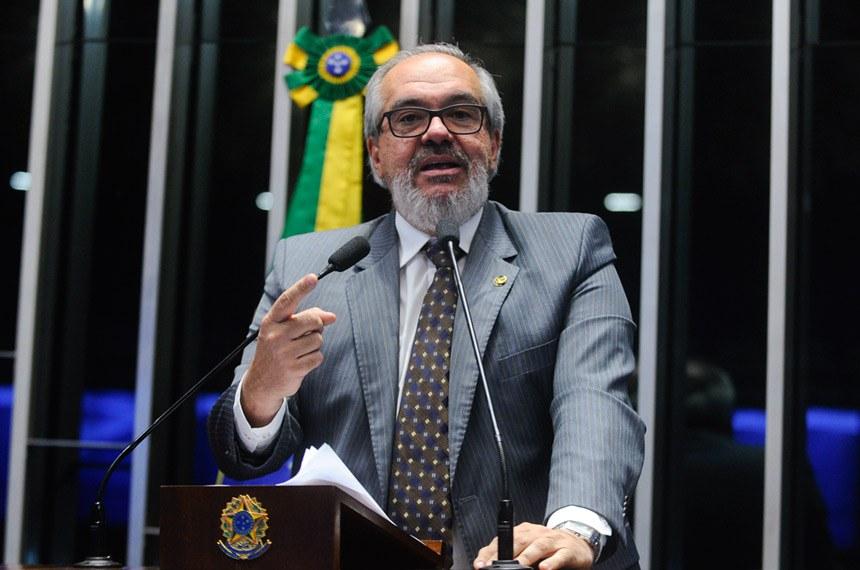 Plenário do Senado durante sessão deliberativa ordinária.  Em discurso, senador Roberto Muniz (PP-BA).  Foto: Moreira Mariz/Agência Senado