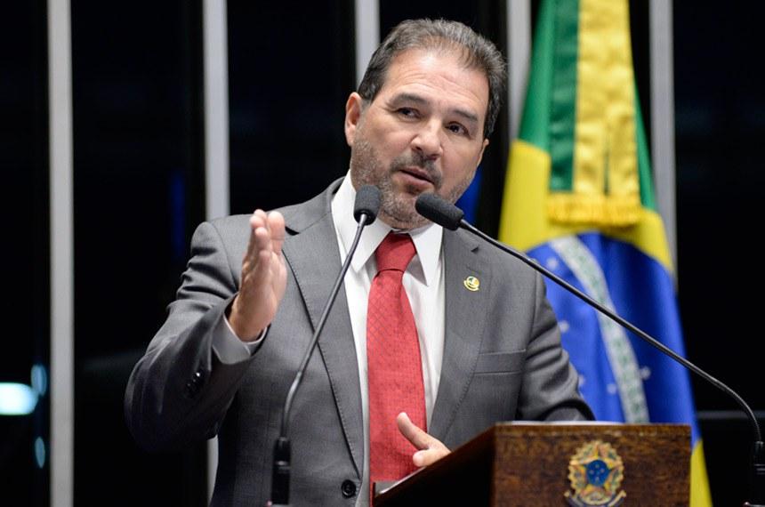 Plenário do Senado Federal durante sessão deliberativa ordinária.   Em discurso, senador Eduardo Lopes (PRB-RJ).   Foto: Jefferson Rudy/Agência Senado