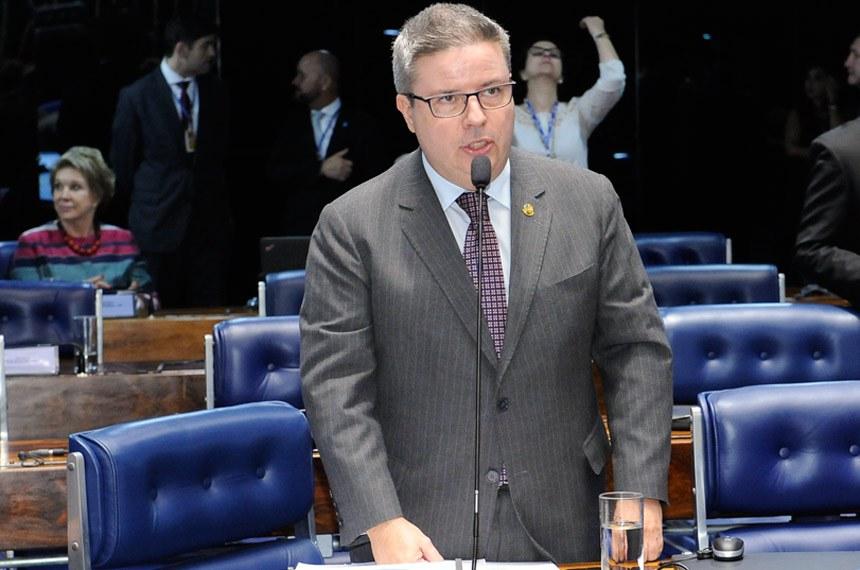 Plenário do Senado Federal durante sessão deliberativa ordinária.   Em pronunciamento, senador Antonio Anastasia (PSDB-MG).   Foto: Waldemir Barreto/Agência Senado
