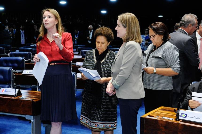 Plenário do Senado Federal durante sessão deliberativa ordinária. *Ordem do dia.   Em pronunciamento, senadora Vanessa Grazziotin (PCdoB-AM).   Foto: Waldemir Barreto/Agência Senado