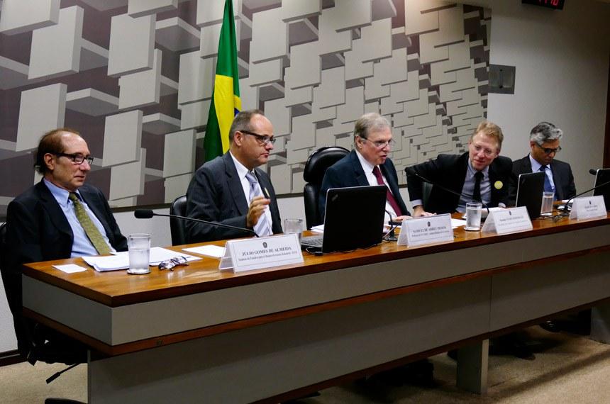 Especialistas debatem o custo Brasil em audiência pública na Comissão de Assuntos Econômicos