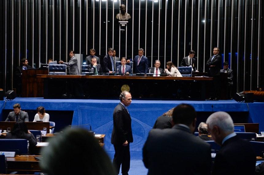 Plenário do Senado durante sessão deliberativa ordinária.  À mesa, presidente do Senado Federal senador Eunício Oliveira (PMDB-CE).  Foto: Ana Volpe/Agência Senado