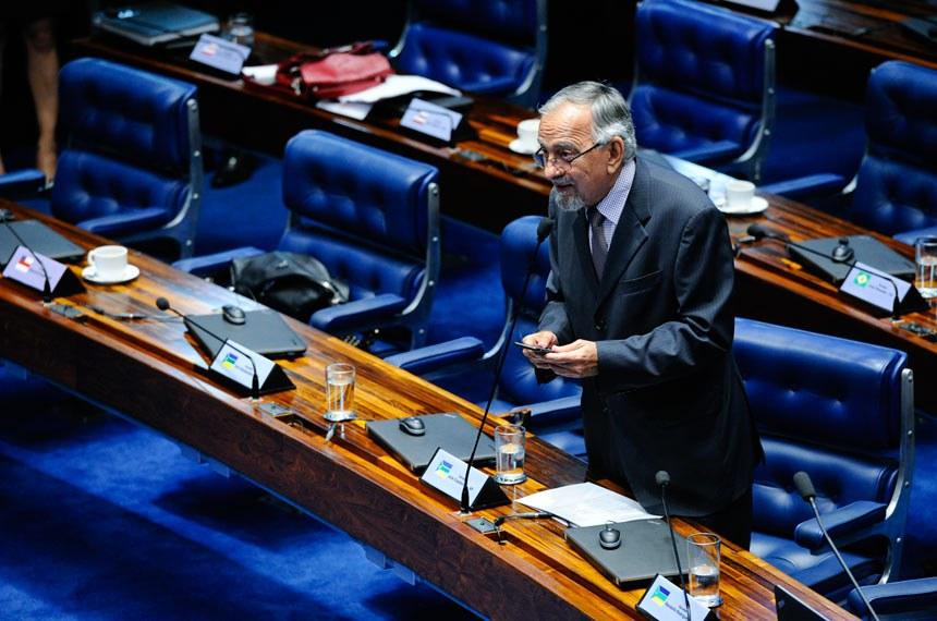 Plenário do Senado durante sessão deliberativa ordinária.  Em pronunciamento, senador João Capiberibe (PSB-AP).  Foto: Marcos Oliveira/Agência Senado