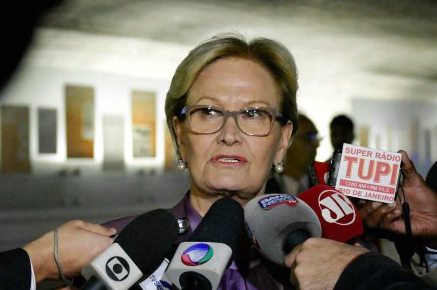 Senadora Ana Amélia (PP-RS) concede entrevista.   Foto: Roque de Sá/Agência Senado.
