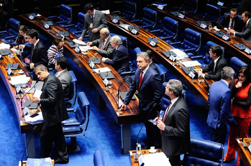 Plenário do Senado durante sessão deliberativa ordinária.  Em pronunciamento, senador Lindbergh Farias (PT-RJ).  Foto: Jonas Pereira/Agência Senado