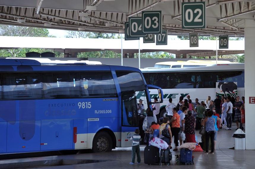 Fábio Rodrigues Pozzebom/ABr  Brasília - Movimentação de passageiros na Rodoviária Interestadual também era normal