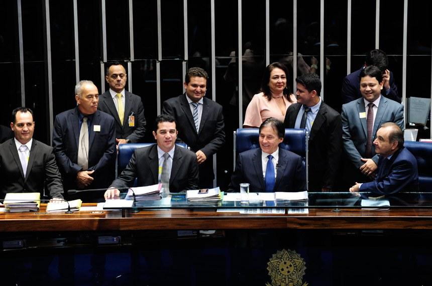 Plenário do Senado durante sessão deliberativa ordinária.  Mesa: senador Eunício Oliveira (PMDB-CE);  senador José Agripino (DEM-RN);  senadora Kátia Abreu (PMDB-TO).   Foto: Jonas Pereira/Agência Senado