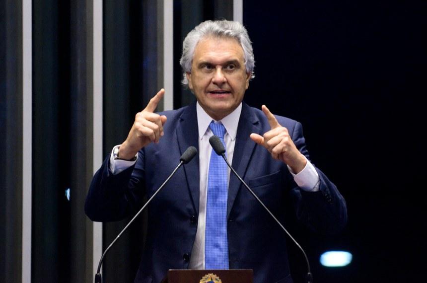 Plenário do Senado durante sessão deliberativa ordinária.  Em discurso, à tribuna, senador Ronaldo Caiado (DEM-GO).  Foto: Ana Volpe/Agência Senado