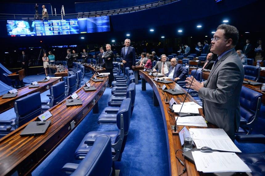 Plenário do Senado durante sessão deliberativa ordinária. Ordem do dia.  Em pronunciamento, à bancada, senador Roberto Rocha (PSB-MA).  Foto: Jefferson Rudy/Agência Senado