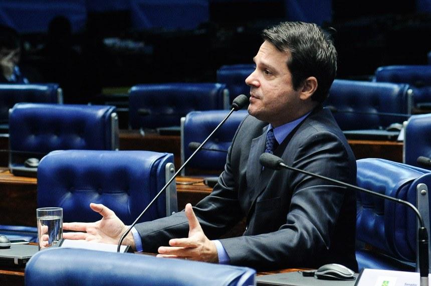 Plenário do Senado Federal durante sessão não deliberativa.   Em pronunciamento, senador Reguffe (sem partido-DF).   Foto: Geraldo Magela/Agência Senado