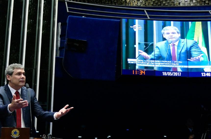 Plenário do Senado durante sessão não deliberativa.  Em discurso, à tribuna, senador Lindbergh Farias (PT-RJ).  Foto: Roque de Sá/Agência Senado