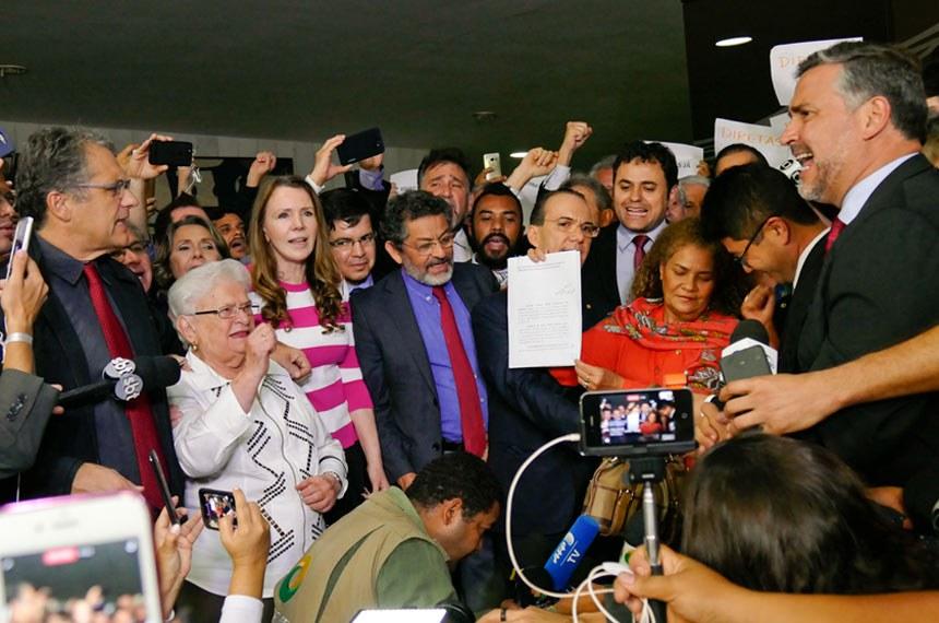 Bloco de oposição da Câmara dos Deputados e Senado Federal protocola pedido de impeachment de Michel Temer.   Foto: Roque de Sá/Agência Senado