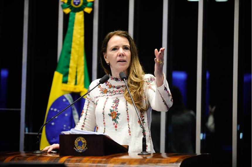 Plenário do Senado durante sessão deliberativa ordinária.  Em discurso, senadora Vanessa Grazziotin (PCdoB- AM).  Foto: Marcos Oliveira/Agência Senado