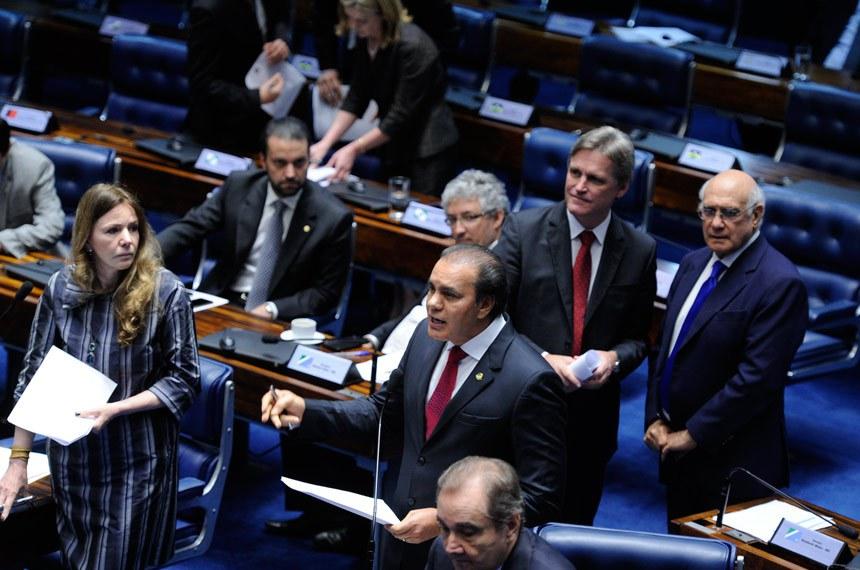 Plenário do Senado durante sessão deliberativa extraordinária.   Em pronunciamento, senador Ataídes Oliveira (PSDB-TO).  Foto: Edilson Rodrigues/Agência Senado