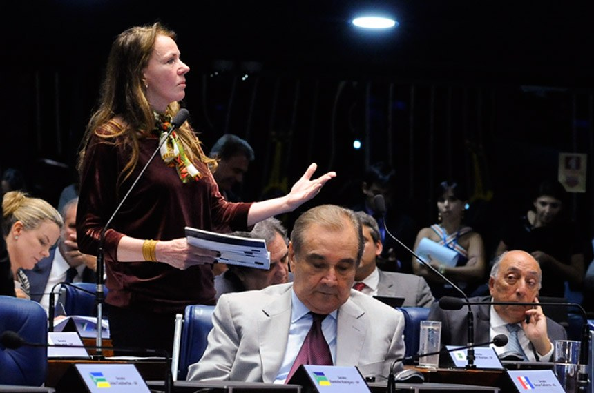Plenário do Senado Federal durante sessão deliberativa ordinária.  Em pronunciamento, senadora Vanessa Grazziotin (PCdoB-AM).  Foto: Waldemir Barreto/Agência Senado