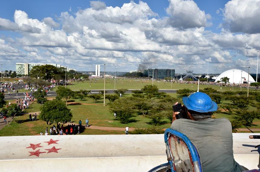 Manifestação em Brasília contra o Governo Temer e pela convocação de eleições diretas.   Foto: Pillar Pedreira/Agência Senado