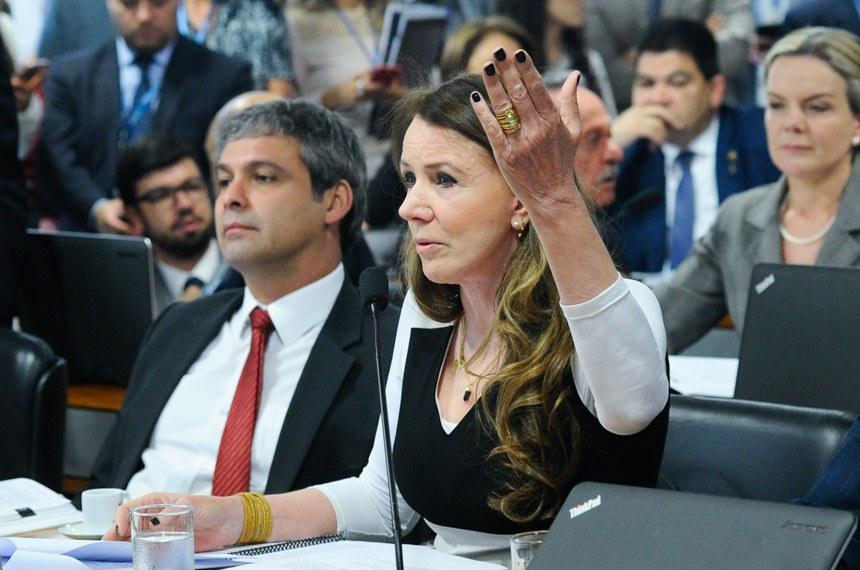 A senadora Vanessa Grazziotin (PCdoB-AM) voltou a cobrar o envio do projeto para a Mesa do Senado