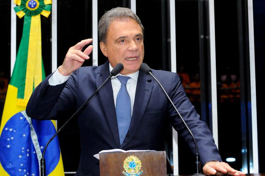 Plenário do Senado durante sessão deliberativa ordinária.  Em discurso, senador Alvaro Dias (PV-PR).  Foto: Waldemir Barreto/Agência Senado