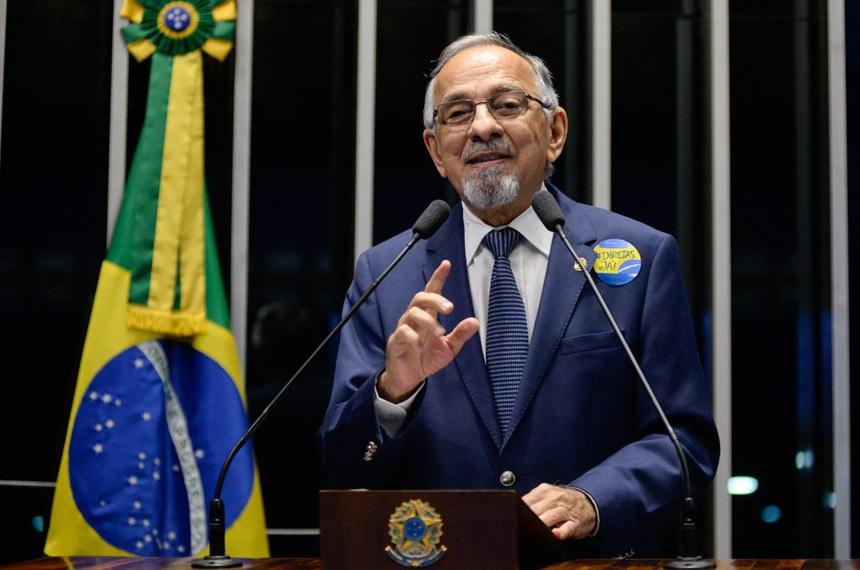Plenário do Senado durante sessão deliberativa ordinária.  Em discurso, senador João Capiberibe (PSB-AP).  Foto: Jefferson Rudy/Agência Senado