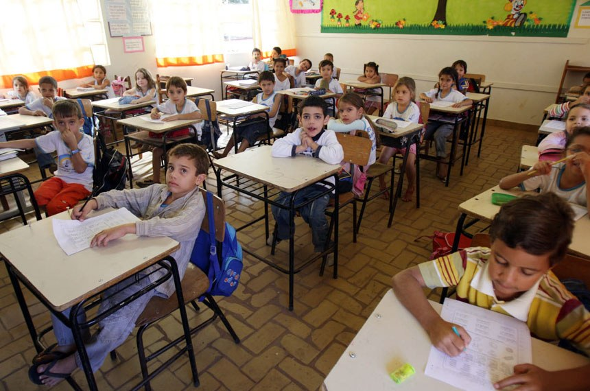 Alunos do ensino fundamental da Escola Manoel Marinheiro