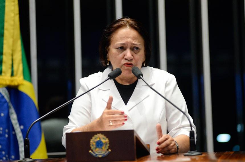 Plenário do Senado Federal durante sessão deliberativa extraordinária.  Em discurso, senadora Fátima Bezerra (PT-RN).  Foto:  Jefferson Rudy/Agência Senado