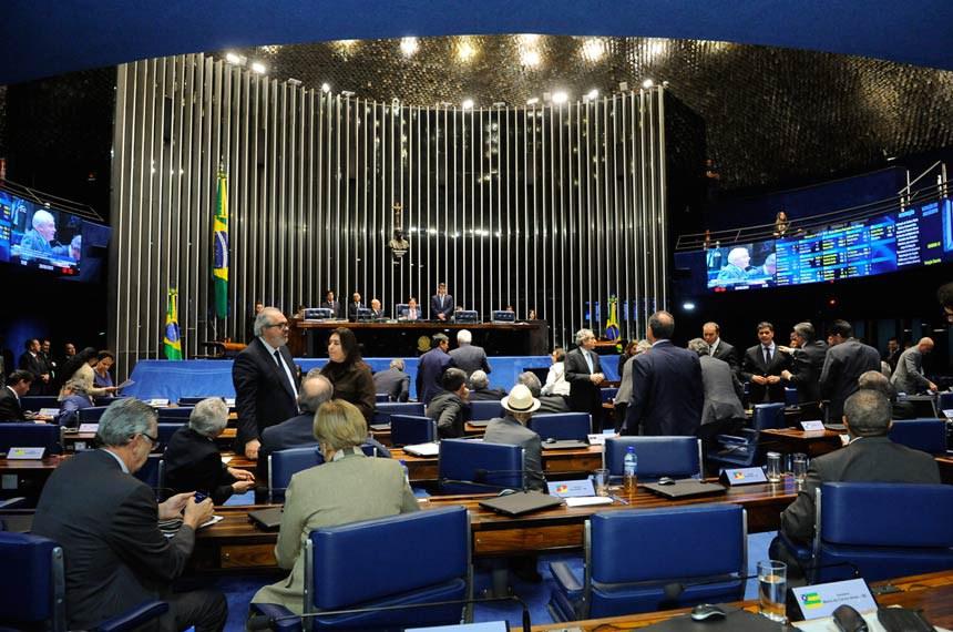 Plenário do Senado durante sessão deliberativa ordinária. Ordem do dia.  À mesa, presidente do Senado, senador Eunício Oliveira (PMDB-CE) conduz sessão.  Foto: Waldemir Barreto/Agência Senado